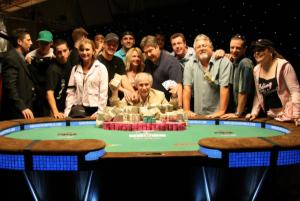 Poker Online Indonesia - 10 Dewa Judi Yang Dikenal Sepanjang Masa